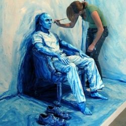 Upon first glance you might think these are paintings drawn on canvas, but it is actually paint drawn on real people by Alexa Meade.  thats awsome.