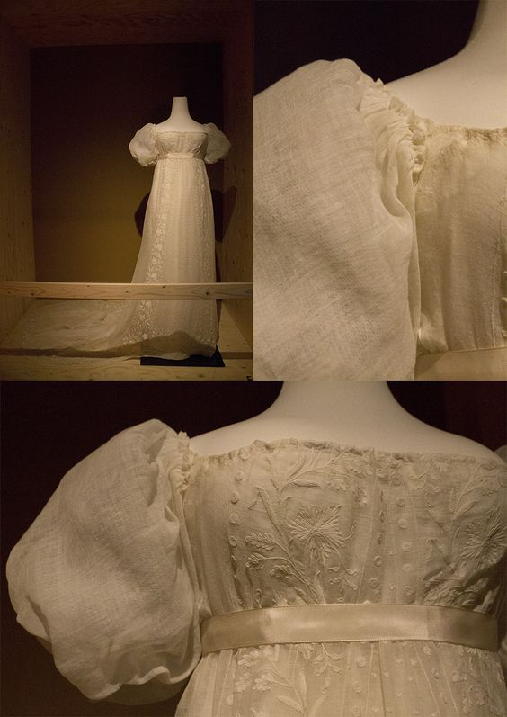 1805-1810 gown of white batist. Collection page: http://centraalmuseum.nl/ontdekken/object/?img_only=1#o:4247