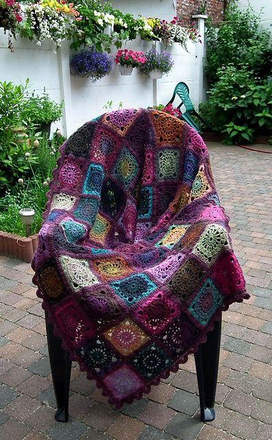 НЕЧЕСТИВИЯТ Faerie QUEEN: НОВАТА плетене на една кука ... не само баба КВАДРАТИ !:
