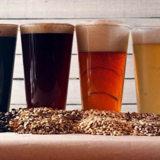 La elaboración de cerveza casera no necesita más que ingredientes que pueden estar al alcance de todos, y de utensilios que hasta podemos reciclar con cuidado.  (diferente de la anterior)