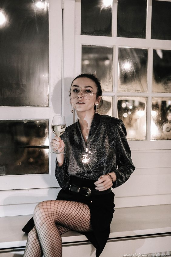 How to wear lurex trend with fishnet tights in 2017