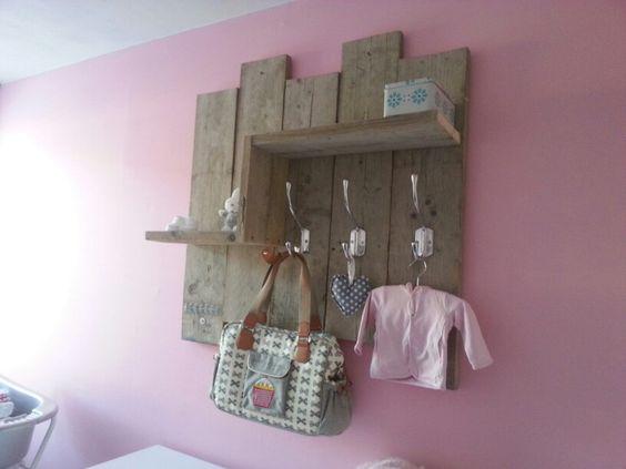 voor de babykamer! wandrek - steigerhout | pinterest, Deco ideeën
