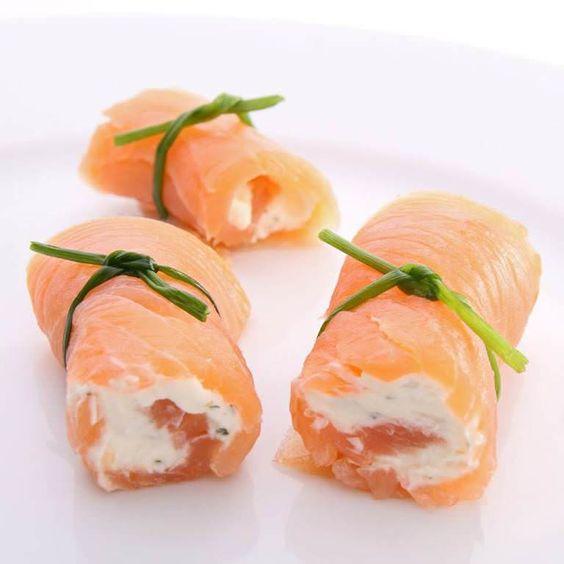 Cannelloni de saumon au fromage frais à servir en entrée ou en amuses bouches pour l'apéritif