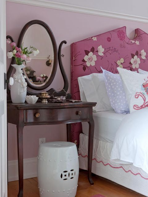 Cherry blossom bright pink upholstered headboard and pink wall in #farmhousestyle bedroom by #SarahRichardson