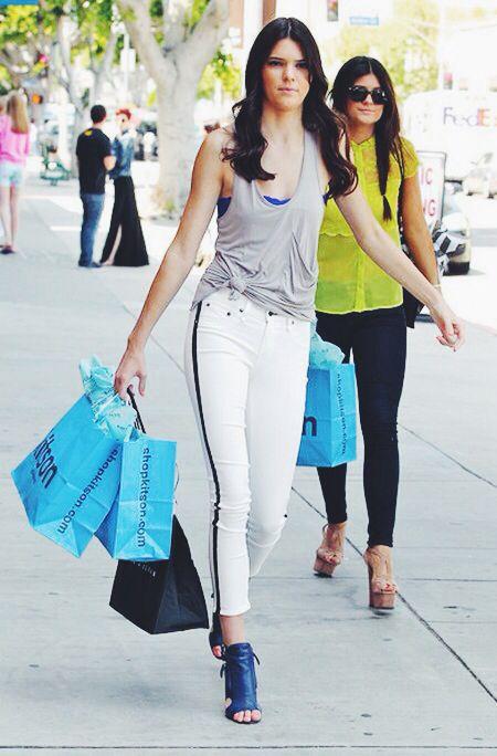 Street chic | Model : Kendall Jenner