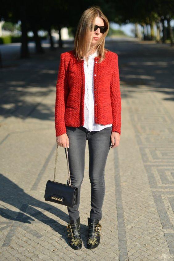 Rouuuuuge! #redjacket #greydenim #bootschloe