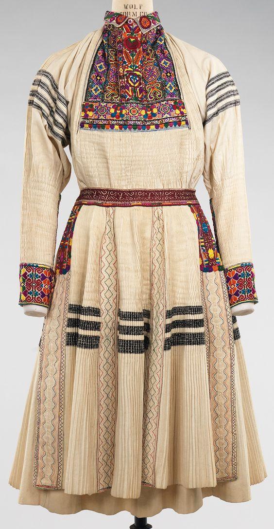 Дата: 1900-1940 Култура: Хърватска Средна: памук, коприна