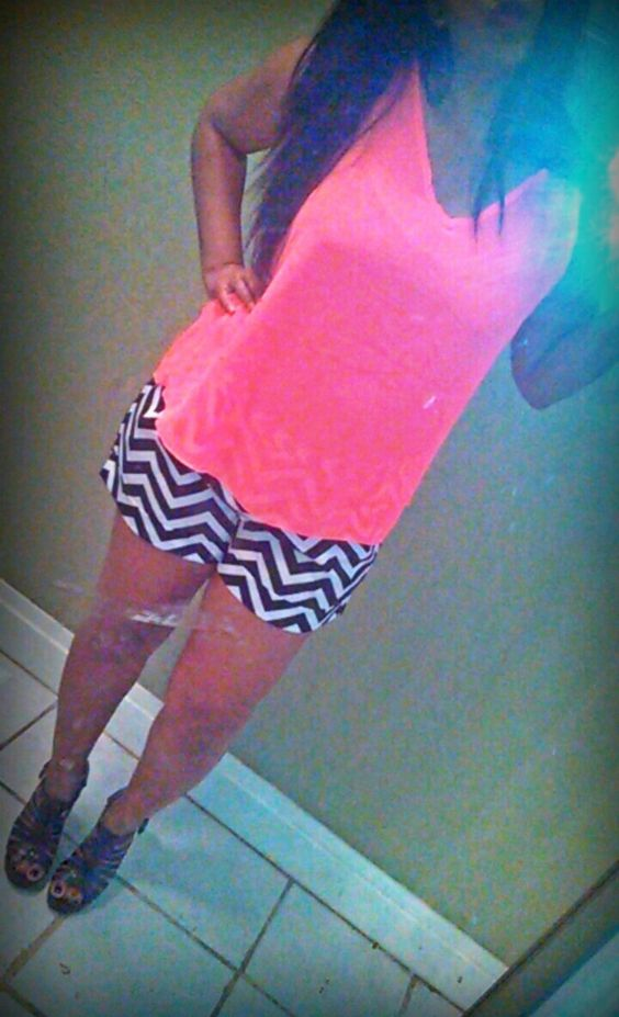 Hot Pink & Chevron <3  My outfit on point!