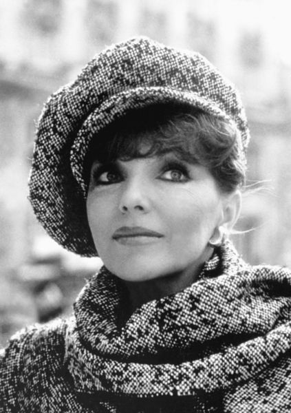 Joan Collins Looks Beautiful