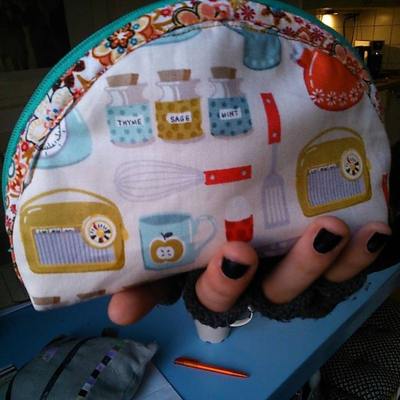 """""""#maxim #proudly #presents a mostly #handsewn #makeuppouch. #fabric by #makeower. #upcycling sewsimple.de"""""""