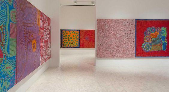#Tip explora las pinturas más recientes de Yayoi Kusama en #ObsesiónInfinita ¡una explosión de color!