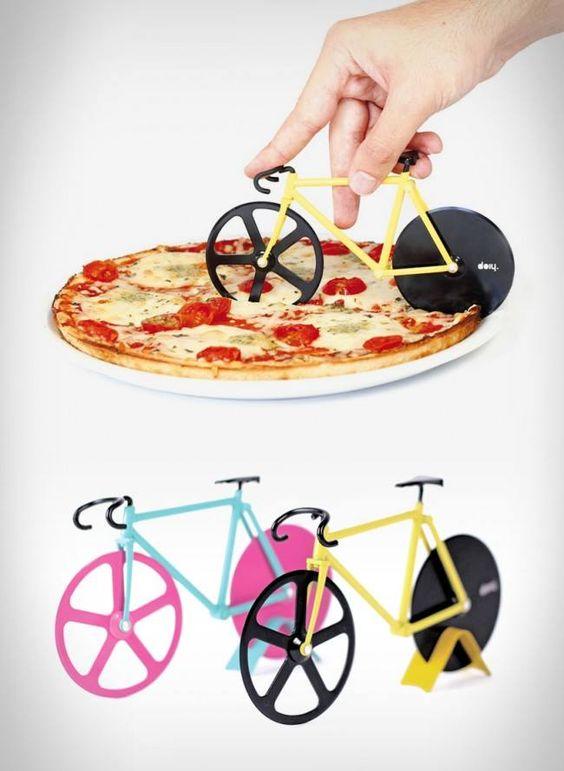 Cortador de pizza em forma de bicicleta