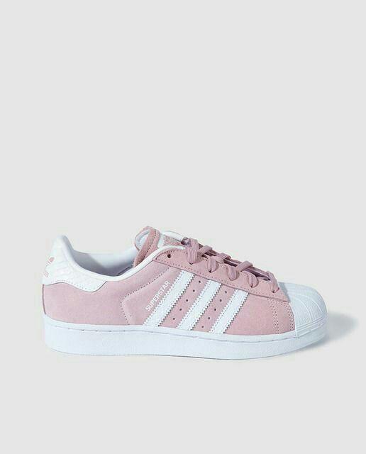 Pin de lucia en zapatillas | Zapatos adidas mujer