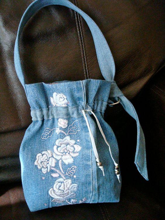 Denim embroidered  small purse. Country charm.  von RecklessReRuns