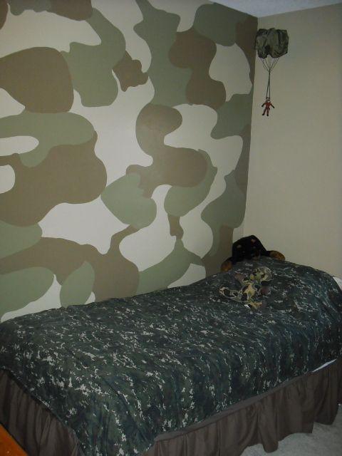 Camo Bedroom   Boysu0027 Room Designs   Decorating Ideas   HGTV Rate My Space