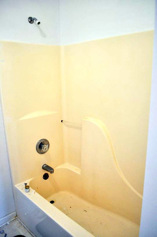 Possibly The Very First Step In Choosing A New Bathtub Is Figuring Out How Much Cash You Can Manage To Invest On One If You Are Also Remodelin Small Bathroom Small