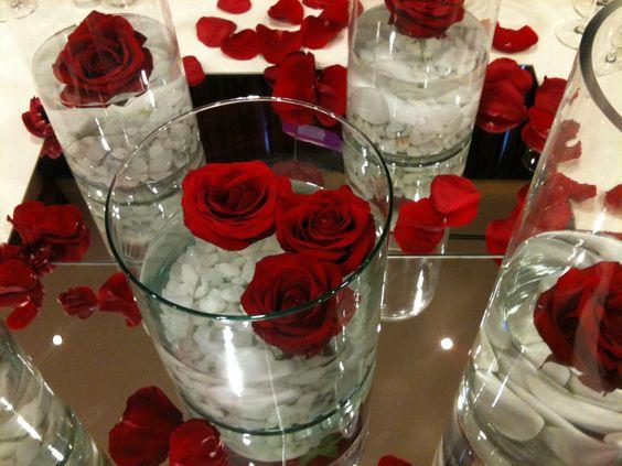 centro de mesa vidrio y flores