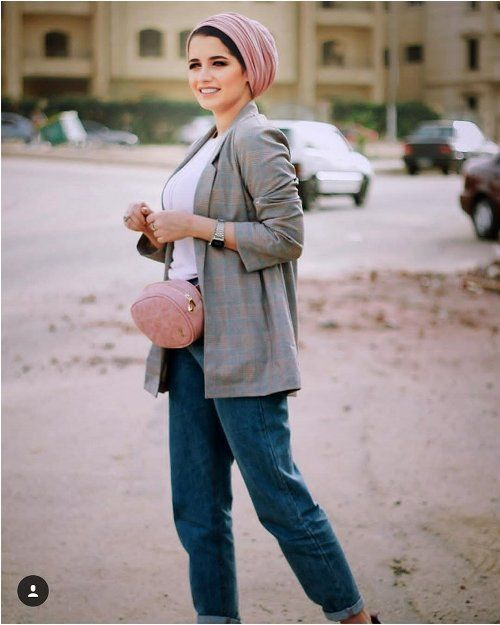Blazer with boyfriend jeans-Hijab fashion ideas for Easter – Just Trendy Girls