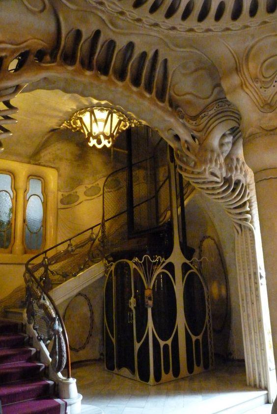 Casa Sayrach (1918) Manuel Sayrach. The architectural bones of Barcelona are bizarre and fabulous.: