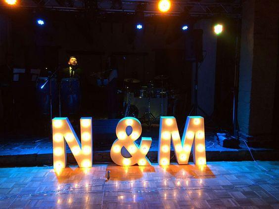 Letras gigantes para tus bodas, fabricación en tiempos récord. Para cubrir tus necesidades