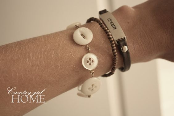 COUNTRY GIRL HOME : Vintage button bracelet