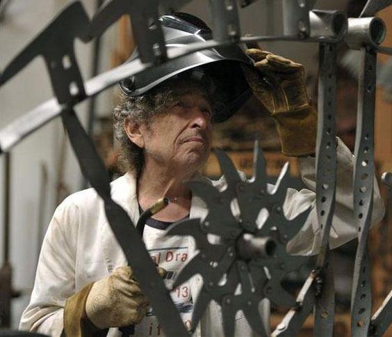 Bob Dylan 'resucita' su niñez con una muestra de esculturas en Londres
