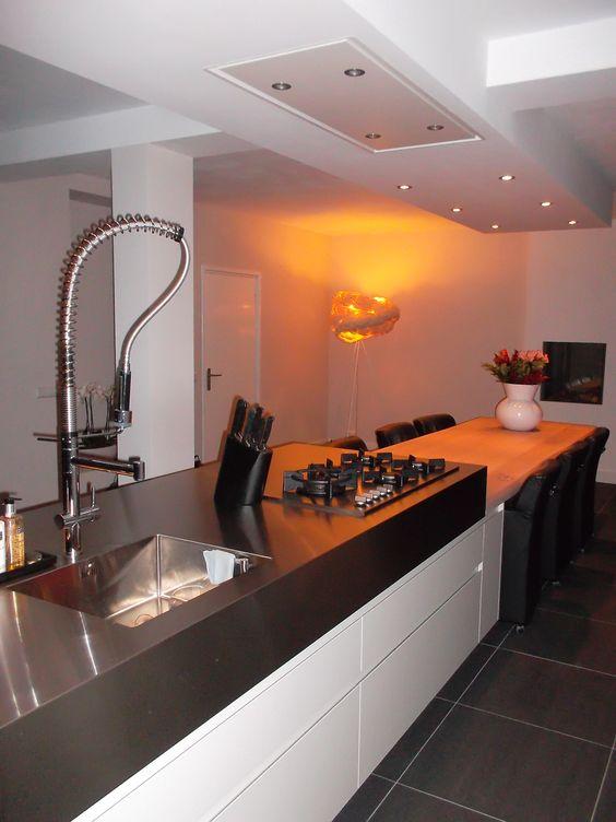 Keuken Kastenwand Met Nis : Keuken met kastenwand in bouwkundige nis en greeploos eiland met