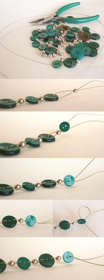 Knopen ketting met tutorial! Leuk voor op een grijze zondag. Nice button necklace with tutorial. Great for grey & lazy Sundays :)
