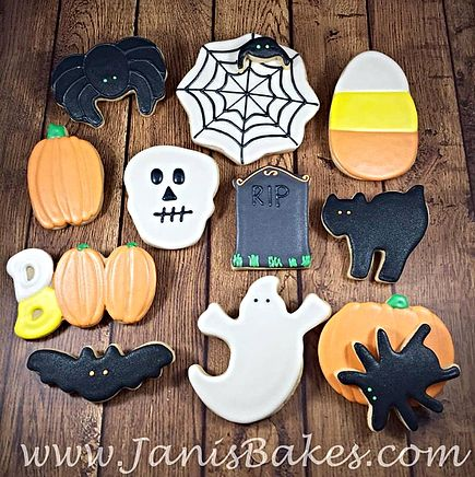 janisbakes | Halloween Decorated Cookies