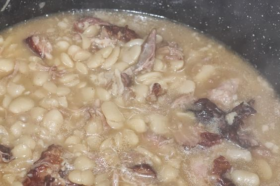 BeautyFash {from Sequins to Cilantro!}: Southern Baby Lima Beans with Smoked Turkey