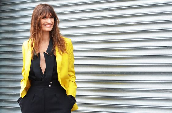 So lovely how an all-black ensemble is brightened up with a simple blazer in a beautiful canary yellow!