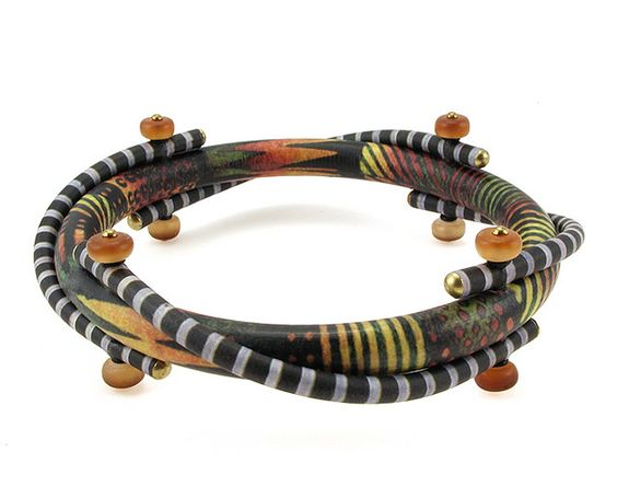 Bangle Construction with Horn Beads