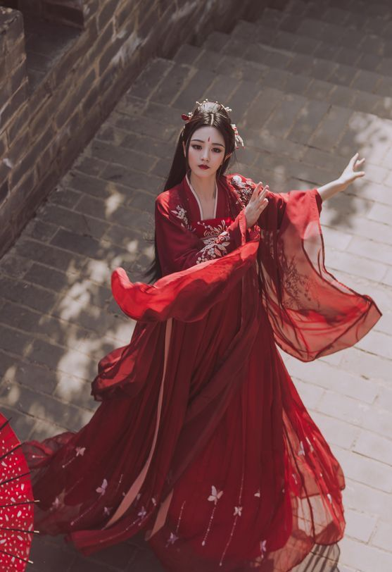 Chinese Traditional Hanfu Are Now Popular Page 50 Of 53 Sciliy Traditional Chinese Dress Hanfu Traditional Outfits