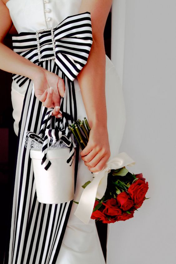 **: Wedding Idea, White Wedding, White Bows, Black And White, Black White, Red Roses, Wedding Dress, White Stripes