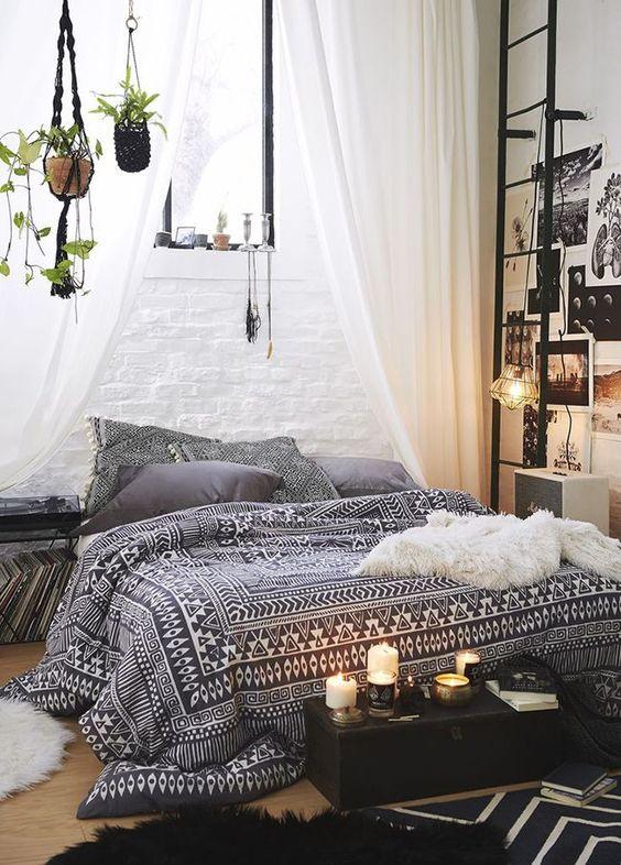 Dormitorio boho de urbanoutfitters: