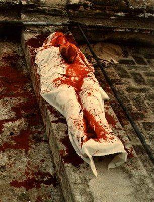Silueta/sangre - Ana Mendieta.