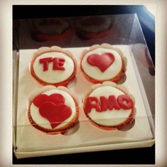 Dia dos namorados e com Mundo das Trufas Caixa com cupcakes #mundodastrufas #anapolisgo by mundo_das_trufas_anapolis http://ift.tt/1RHo5Tk