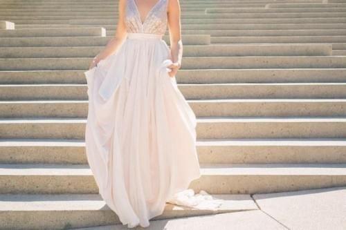 10 Wunderschöne Pailletten und Glitzer-Hochzeits-Kleider