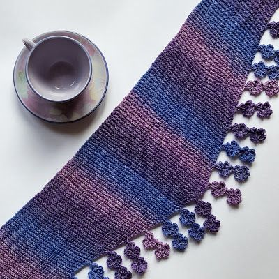 Falling Blossoms Scarf - free knitting pattern by Knitting and so on
