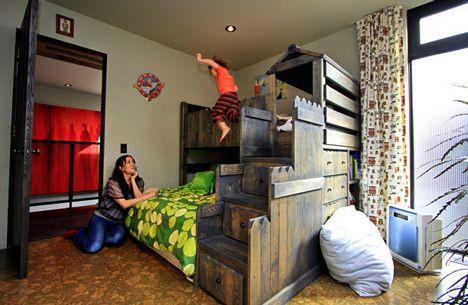 Custom bunk bed by Marmol Radziner