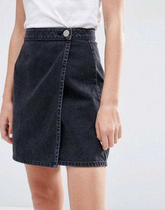 Image 3 - ASOS - Jupe portefeuille en jean coupe trapèze - Noir délavé