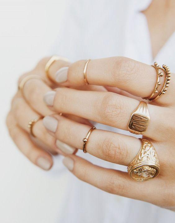 แหวนดีไซน์เรียบสไตล์มินิมอล