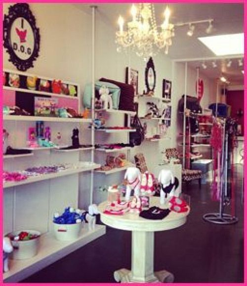 D O G Pet Boutique In Los Angeles Ca Offers Trendy Pet Clothing Accessories And Furniture With Clients From A List Celebs T Dog Store Pet Store Pet Boutique