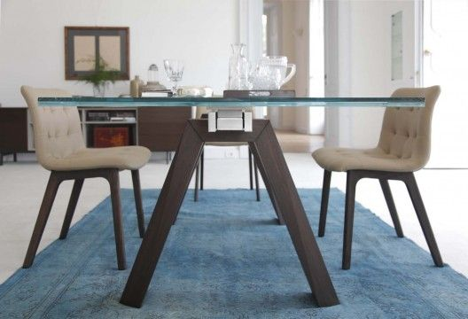 Aron Dining Table