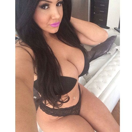 Sexy Latina Girl Pictures