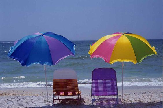 McClellan_beachchairs.jpg (1200×798)