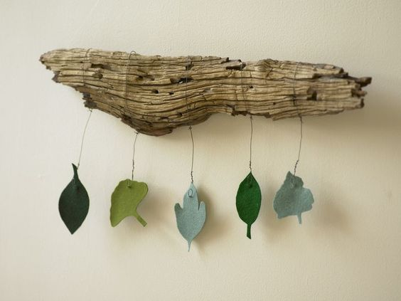 Fun and simple driftwood wall art driftwood projects for Very simple wire craft projects