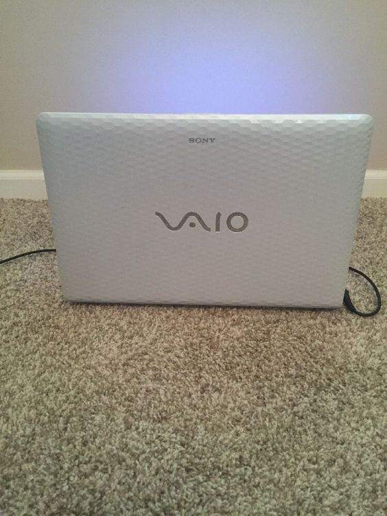 "Sony VAIO VPC-EH14FM 15.5"" Notebook (2.1GHz Intel Core i3-2310M 8GB RAM 500GB)"