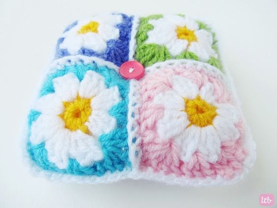{Daisy Granny Square Pincushion}