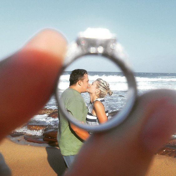 30 Cute Engagement Announcement Photos From Real Couples: So you finally got the incredible ring, but what do you do after the proposal?